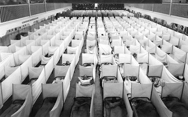 A flu isolation ward at a naval training station in San Francisco, California.