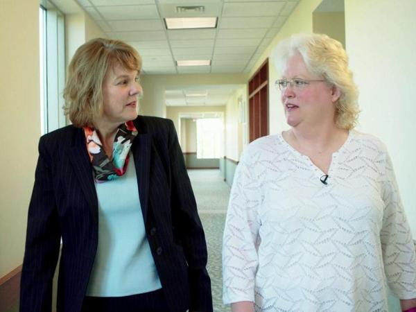 At the OSF Central Illinois Pain Center in Peoria, Kim Brown participated in a multidisciplinary treatment program that included cognitive behavioral therapy with psychologist Lisa McClure, who helped Brown address the psychological issues that can accompany pain.
