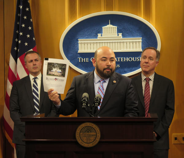 Speaker Cliff Rosenberger (center) at a press conference in February 2017, announcing plans to work with Wisconsin Speaker Robin Vos (right) on problems facing both states.