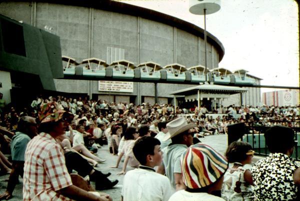 Crowds at HemisFair '68.