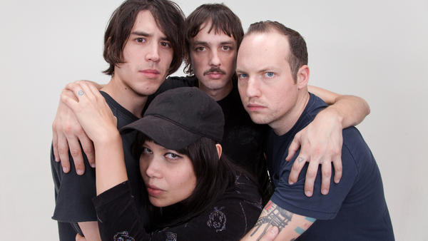 Hit Bargain features current and former members of bands like The Pains of Being Pure at Heart, Cold Beat and Beach Fossils.