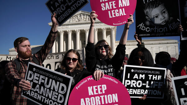 Activists both supporting and opposing abortion rights gathered in front of the the Supreme Court during the March for Life on Jan. 19.