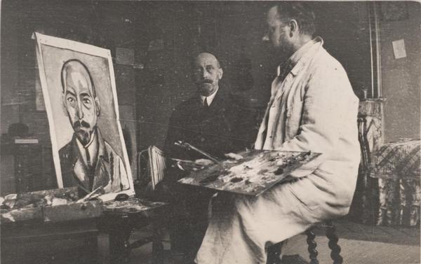 <p>Henri Matisse works on a portrait of Michael Stein in 1916.</p>