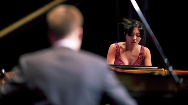 Greg Anderson and Elizabeth Joy Roe (right) take on everything from Michael Jackson to Mozart on <em>When Words Fade</em>.