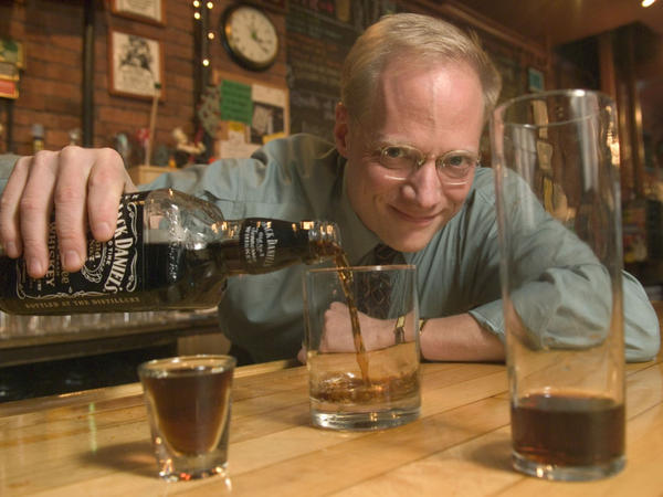 Brian Wansink demonstrates an optical illusion that even fools bartenders. How much should he pour to match the amount in the taller glass?