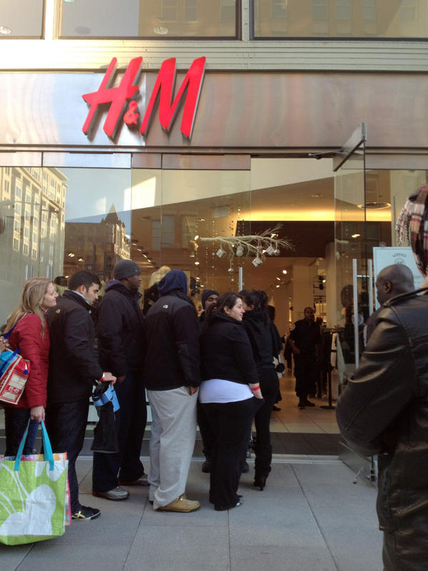 When luxury label Versace launched a collection for H&M last November, customers lined up on the sidewalk to wait for the chain's Washington, D.C., store to open.