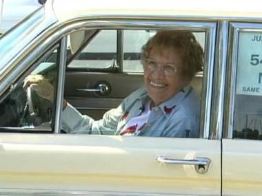 Rachel Veitch showing of her beloved Chariot in a 2007 video produced by GrowingBolder.com.