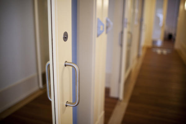 Visitors to the home will not see a traditional hinged door; instead, sliding interior doors with easy-to-reach handles optimize maneuverability. Hallways are also considerably wider, and wood flooring is trimmed with lighter wood to provide guidance for soldiers with vision loss.