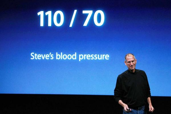 Jobs jokes about his health at Apple headquarters in 2008; in 2004, he revealed that he had a rare form of pancreatic cancer.