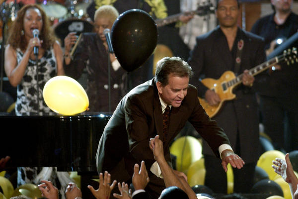 Clark celebrates the 50th birthday of <i>Bandstand</i>  on May 3, 2002, with fans and a musical supergroup.