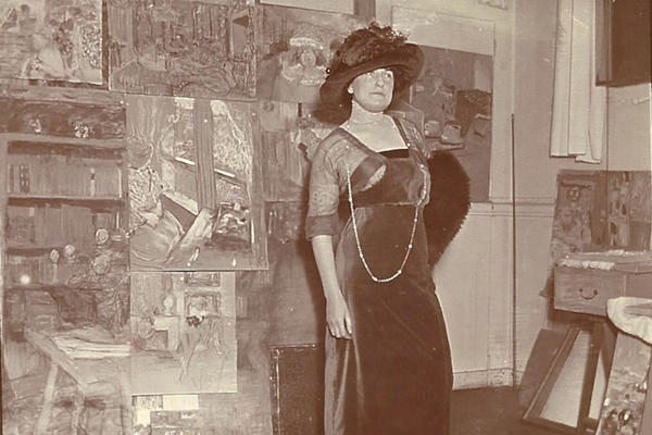 Lucy Hessel was the wife of Vuillard's close friend Jos Hessel, a noted art dealer. She was also Vuillard's friend, muse and lover. She is shown here in Vuillard's studio, on Boulevard Malesherbes in 1911.