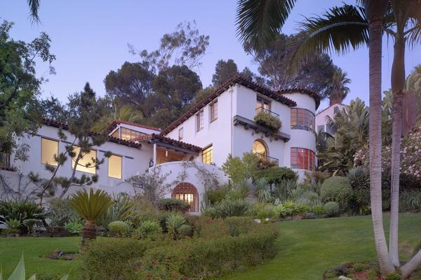 This Spanish Colonial Revival-style home is an example of how Williams worked with the existing landscape to make a home part of its natural surroundings. The window placement allows for views of the city skyline and the Hollywood Hills.