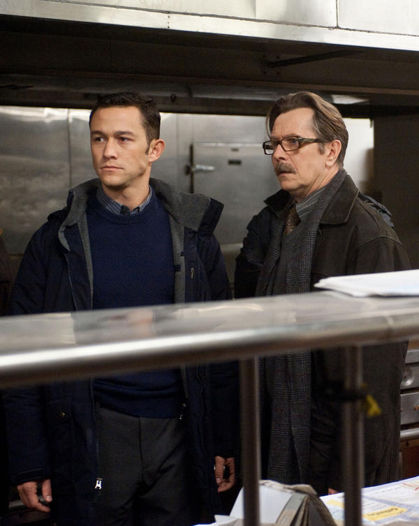 Joseph Gordon-Levitt and Gary Oldman in <em>The Dark Knight Rises</em>.