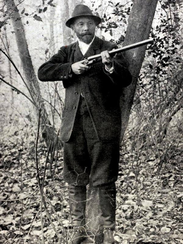 Leon de Lunden of Belgium won the live pigeon shooting event at the 1900 Olympics in Paris — the only time in Olympic history when animals were killed on purpose.