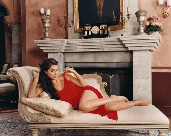"""Yadhira Carrillo as Leonora """"Nora"""" Guzman Madrigal de Orta de Palacios-Garcia in <em>Amarte Es Mi Pecado</em> (Loving You Is My Sin)"""