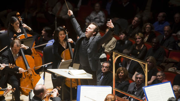 Yannick Nezet-Seguin leads the Philadelphia Orchestra.