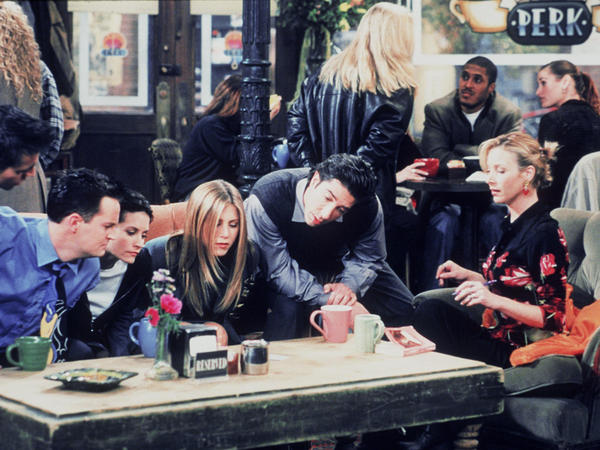 The six Manhattan singles of <em>Friends</em> (from left, Joey (Matt LeBlanc), Chandler (Matthew Perry), Monica (Courteney Cox), Rachel (Jennifer Aniston), Ross (David Schwimmer) and Phoebe (Lisa Kudrow) congregate at Central Perk in this 1999 still photo from the program.