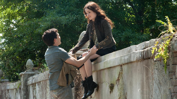 Star-crossed Southern lovers Ethan (Alden Ehrenreich) and Lena (Alice Englert) battle small-town prejudice and mystical evil forces in <em>Beautiful Creatures</em>.