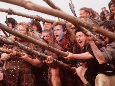 Mel Gibson, center, stars in Paramount Pictures' <em>Braveheart</em>.