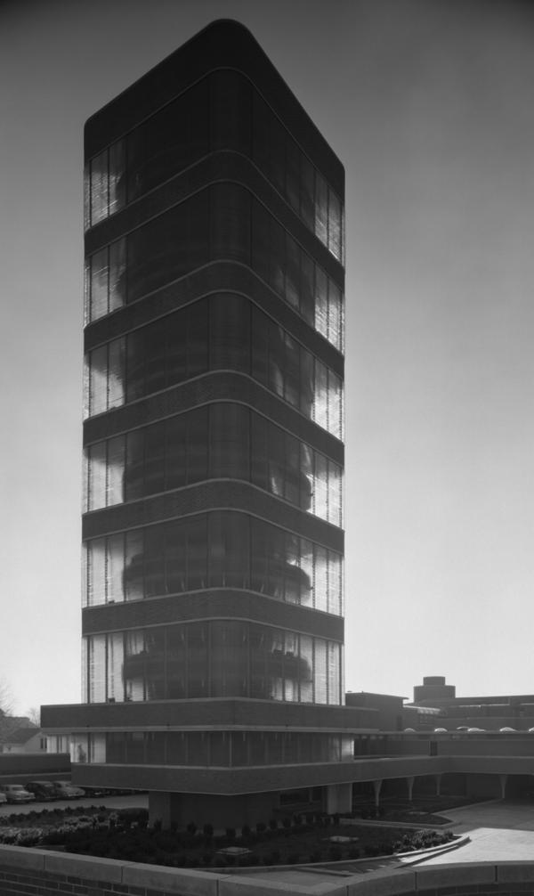 <em>Johnson Wax Tower, Frank Lloyd Wright, Racine, Wis.,</em> 1950