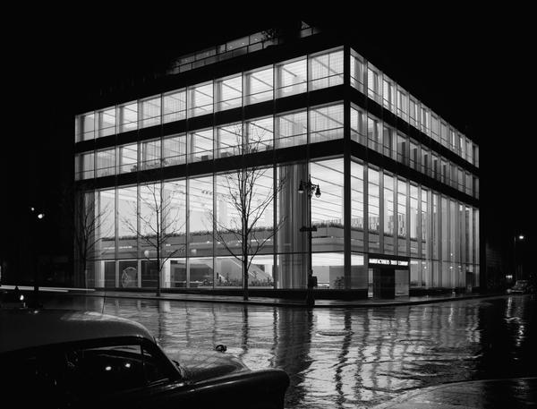 <em>Manufacturer's Trust Company, Fifth Avenue, Skidmore, Owings & Merrill, New York, N.Y.,</em> 1954