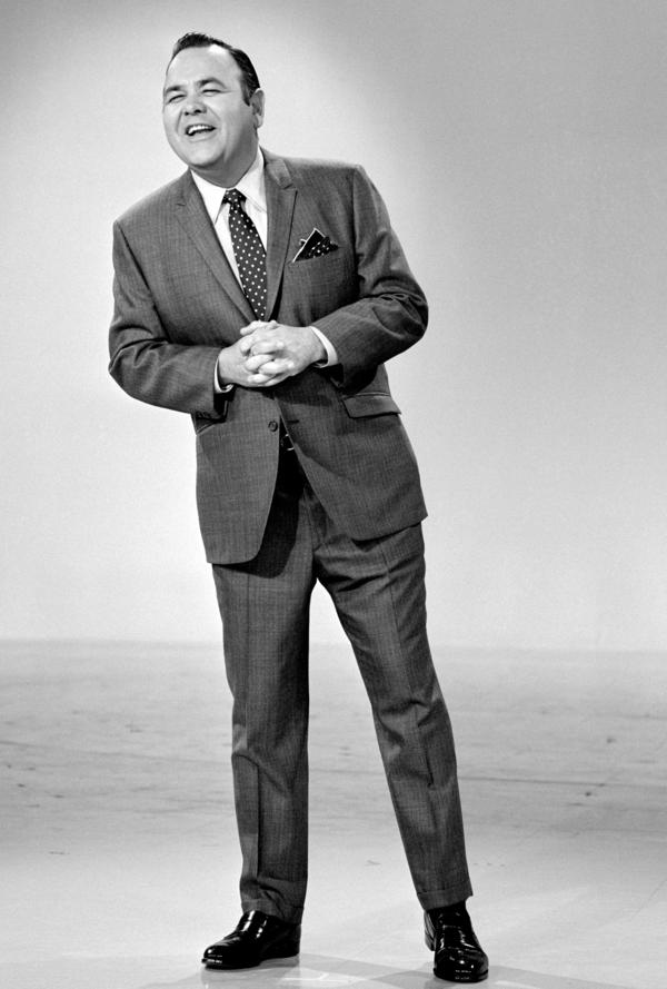 Jonathan Winters on <em>The Smothers Brothers Comedy Hour </em>in 1969.