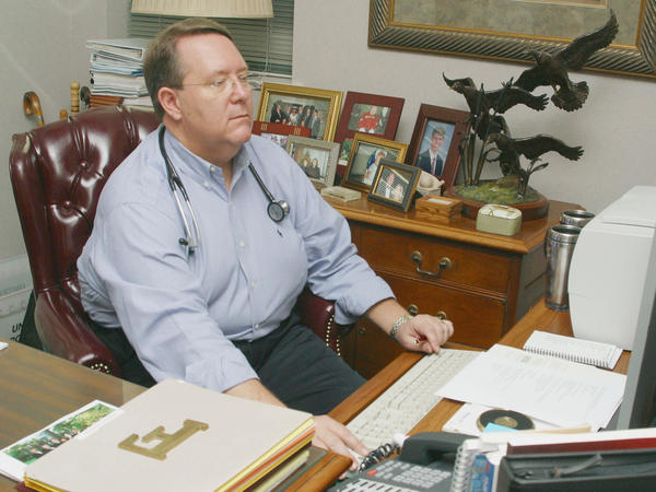 Dr. Michael Fleming, past president of the American Academy of Family Physicians, considered himself obese when this photo was taken in 2004. He led efforts by doctors to lose weight.
