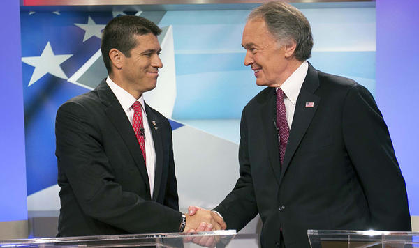 Republican Senate candidate Gabriel Gomez (left) shakes hands with Democrat Ed Markey before a June 5 debate in Brighton, Mass.