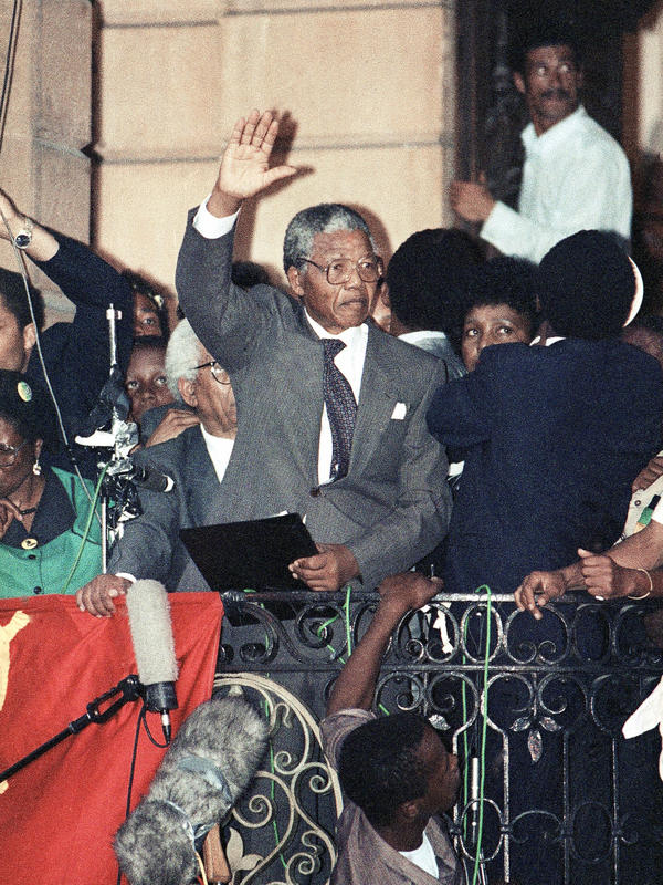 Several hours after his release from prison, Nelson Mandela made his first speech on the balcony of Cape Town's City Hall. As he prepared to speak, he realized he had left his glasses in the prison. So he borrowed a pair from his wife Winnie.