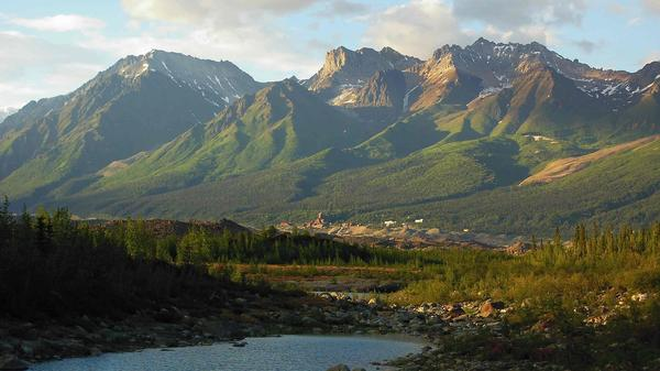 In 2002, the Pilgrim family made their Alaskan home at the site of an abandoned mine just beyond this Bonanza Ridge mountain.