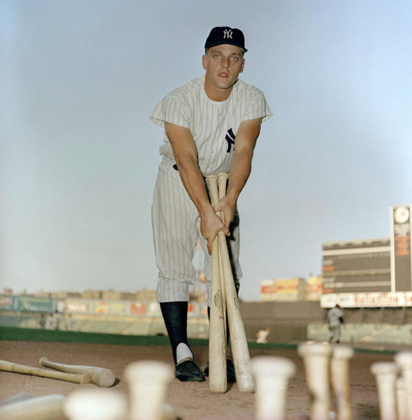 Davis says that in his opinion, Roger Maris (above) is the all-time home run record holder. Maris hit 61 homers in 1961.