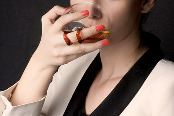 Move over, Robin Thicke. More ladies are starting to drink cognac now.