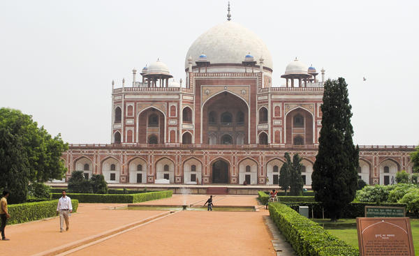 The sandstone monument to the second Mughul Emperor Humayun, now restored to its former glory, is the centerpiece of an enclosed garden complex. Construction began in 1570 and marked the beginning of the Mogul dynasty's major building projects.