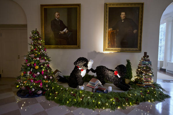 Sunny and Bo show up in more decorations by the east wall of East Garden Room. This year the dogs have animatronic features.
