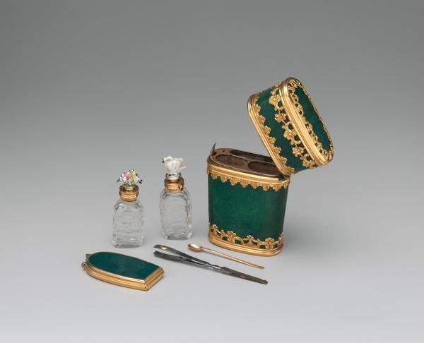 <p>Gold, porcelain, glass and steel compose this 18th-century <em>necessaire</em> from France.</p><p></p>