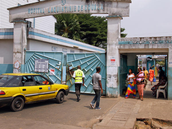 Laquintinie Hospital is one of the busiest public health facilities in Douala, Cameroon. The hospital is known for its slow service and lack of medical staff.