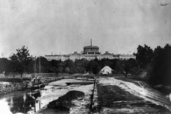 The west front view of the dome under construction in 1861.