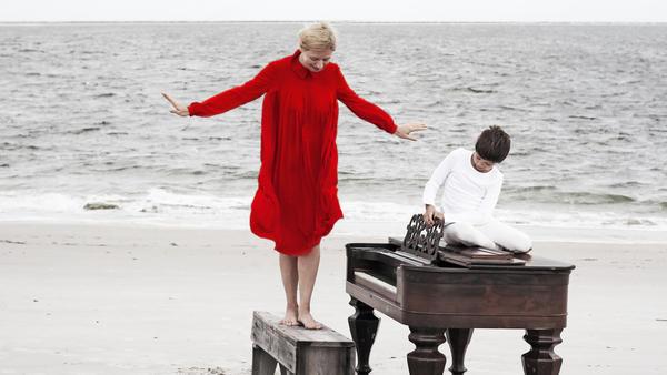 Valentina Lisitsa's new <em>Chasing Pianos</em> features Michael Nyman's music for the Oscar-winning film <em>The Piano</em>.