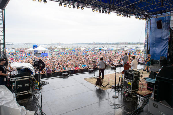 <p>A reunited Nickel Creek celebrated its 25th anniversary together at the Newport Folk Festival.</p><p><br /><br /></p>