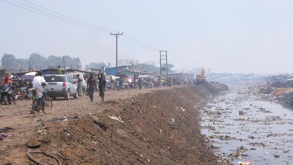 Kwei Quartey sets one of the crime scenes in his second D.I. Dawson book in Agbogbloshie, an Accra slum.