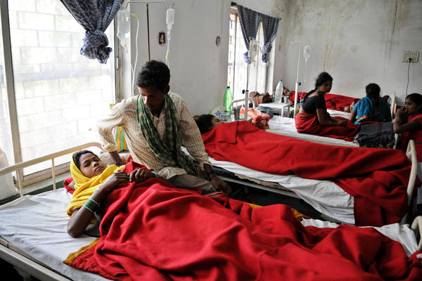 Patients who underwent sterilization surgery were treated in an Indian hospital last week.