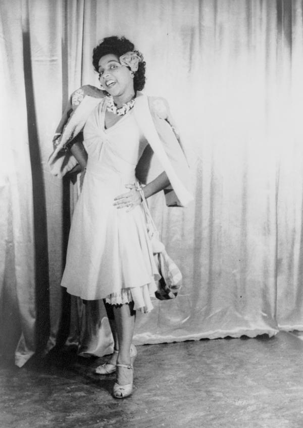 Carl Van Vechten took this portrait of actress Muriel Rahn in the title role in the original 1943 stage production of <em>Carmen Jones</em>.