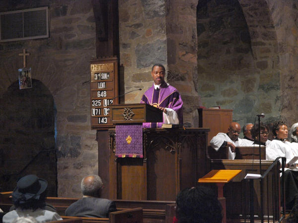 Rev. John Harmon preaches at Trinity Episcopal Church in Washington, D.C.