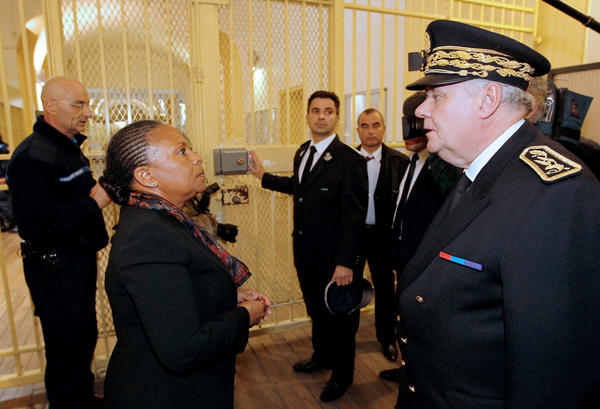 Earlier this month, French Justice Minister Christiane Taubira visited Fresnes prison, south of Paris, where authorities are conducting an experiment sidelining approximately 20 radicalized Muslim inmates being held there.
