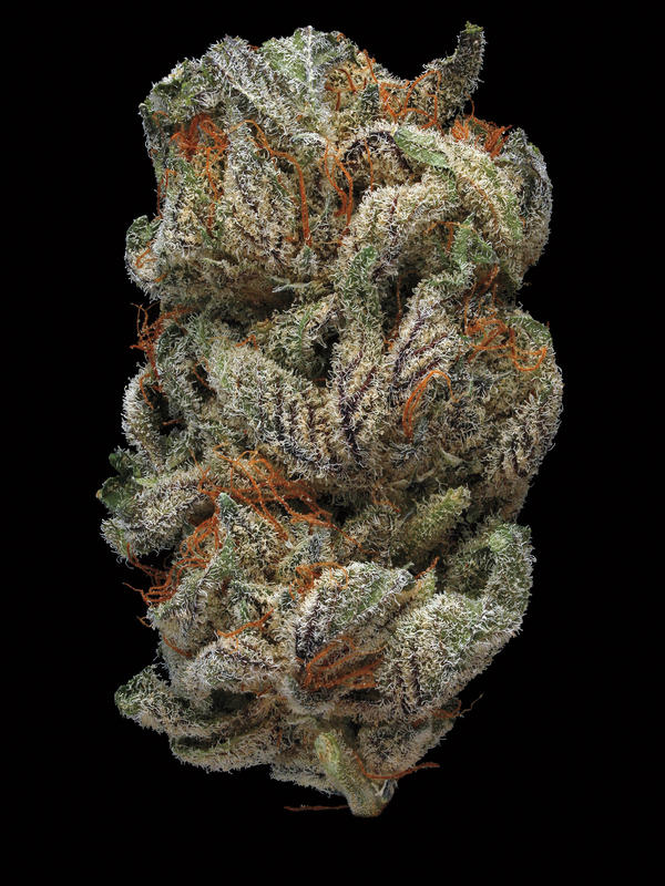 Sugar Daddy. Smell/taste: peppery, lemon, earthy. Common effects: relaxed, mellow, lazy. Top medicinal uses: stress and nausea.