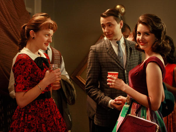 Alison Brie (right) as Trudy Campbell on <em>Mad Men.</em>