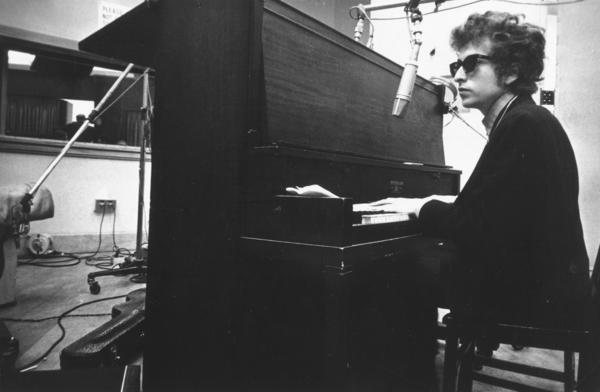 Bob Dylan in the studio in the summer of 1965, while recording <em>Highway 61 Revisited, </em>which was mostly produced by Bob Johnston.