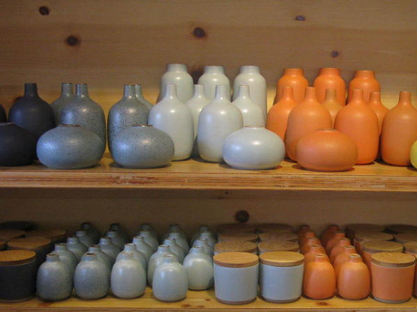 Heath Ceramics pieces are a favorite with midcentury-design enthusiasts.