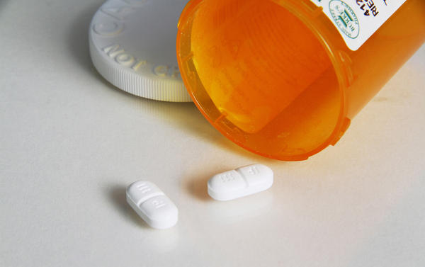 Overdoses of hydrocodone and other opioid painkillers caused more than 16,000 deaths in 2013, according to the CDC.