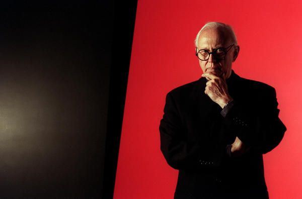 Ellsworth Kelly, shown before one of his huge pieces at Peter Carlson Enterprises, Sun Valley, in 1996, has died at the age of 92.